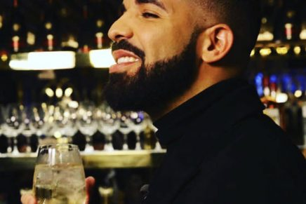 """It's """"God's Plan"""": Drake Breaks The Record of Most Streamed on Apple Music"""